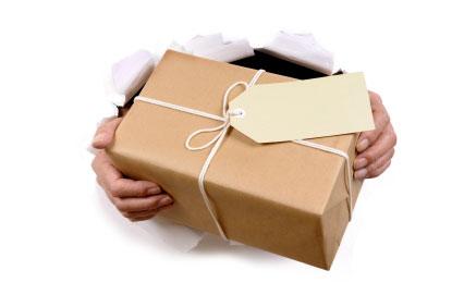 Czy można otworzyć paczkę przy kurierze?