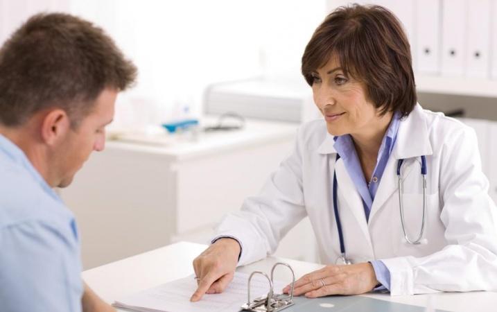 Zwolnienie lekarskie a przedłużenie umowy o pracę