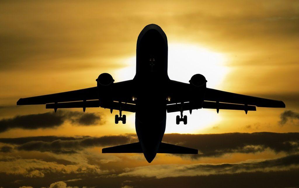 Czy da się uzyskać odszkodowanie za opóźniony lot?