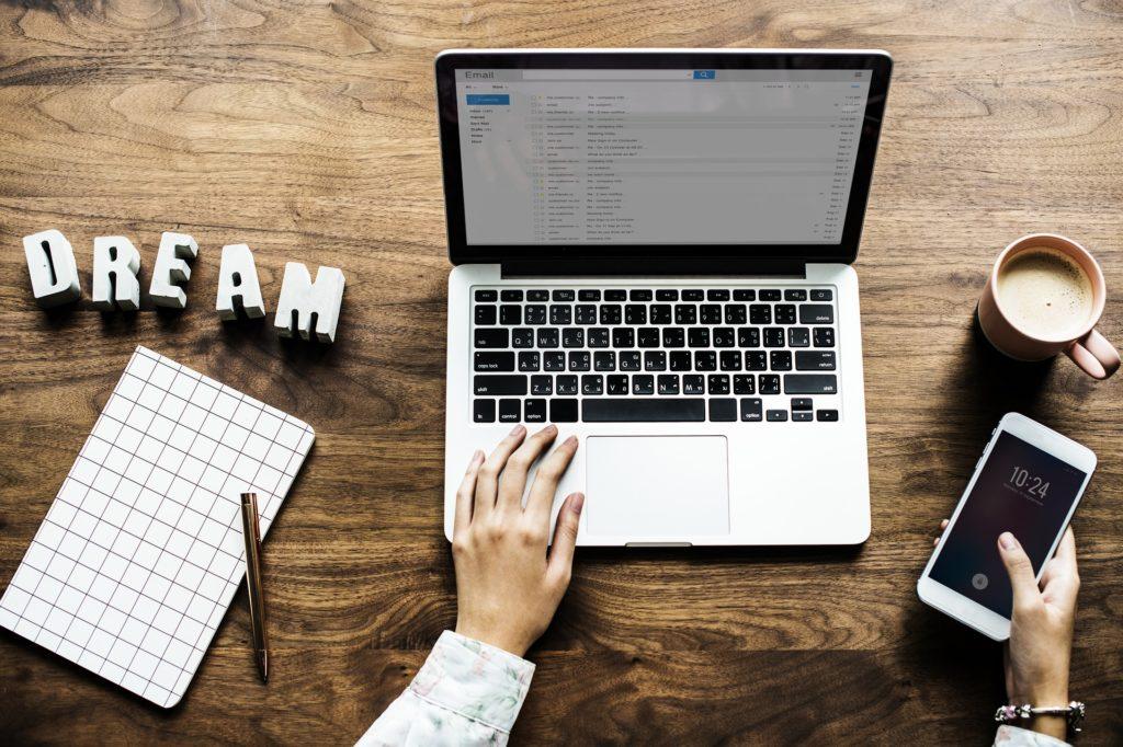 Kogo dotyczy ochrona własności intelektualnej w Internecie? Co grozi za naruszenie własności intelektualnej?