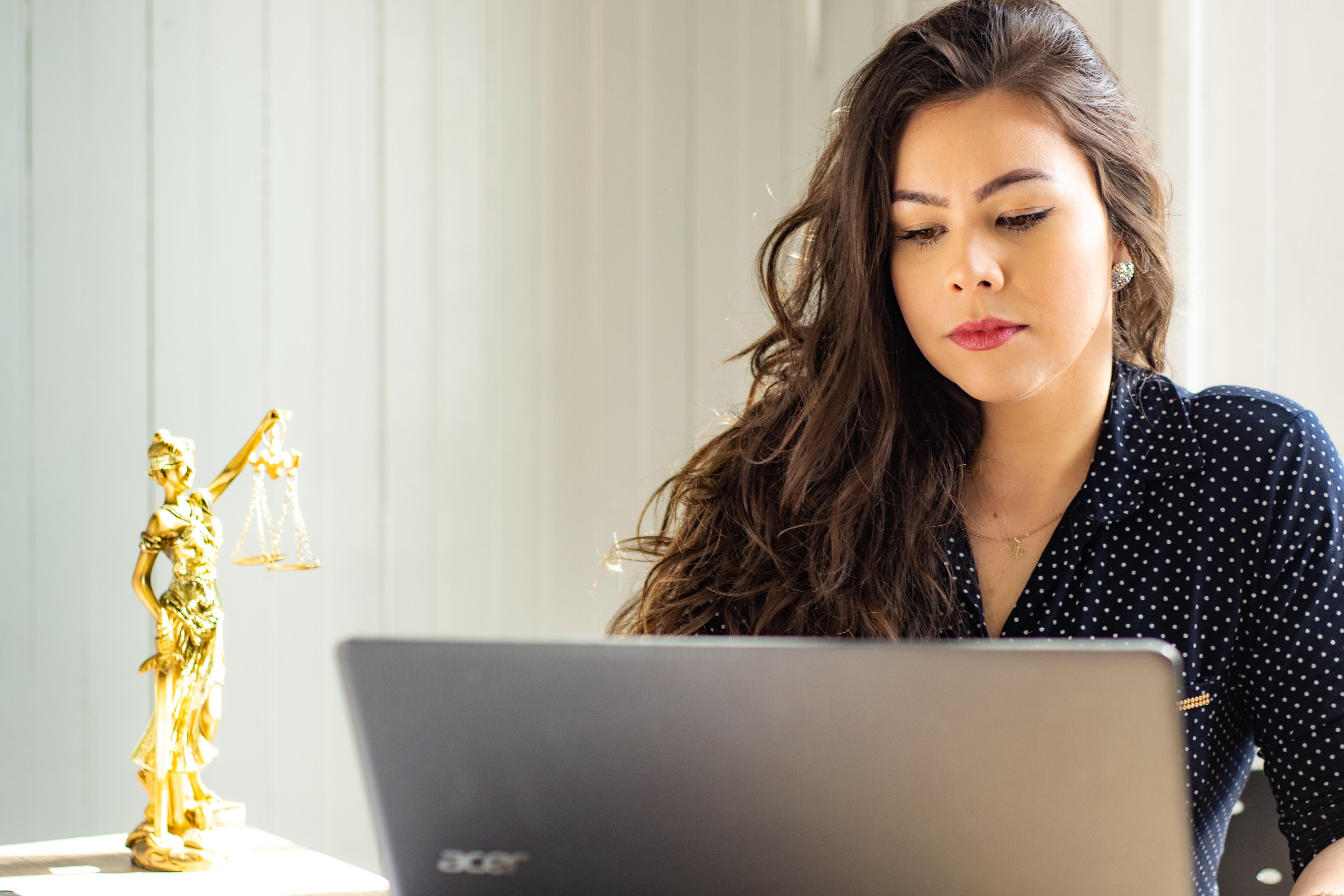 Adwokat do spraw rodzinnych - gdzie szukać pomocy?