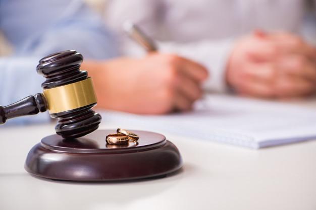 Pomoc adwokata podczas rozwodu