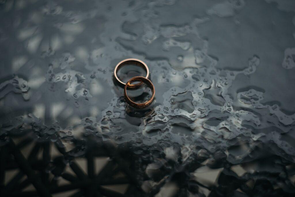 Jak żyć ze sobą, gdy nic nas nie łączy? Czyli kiedy podjąć decyzję o rozwodzie i o czym należy pamiętać?