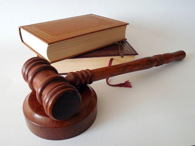Jak wybrać dobrego polskiego adwokata we Włoszech?