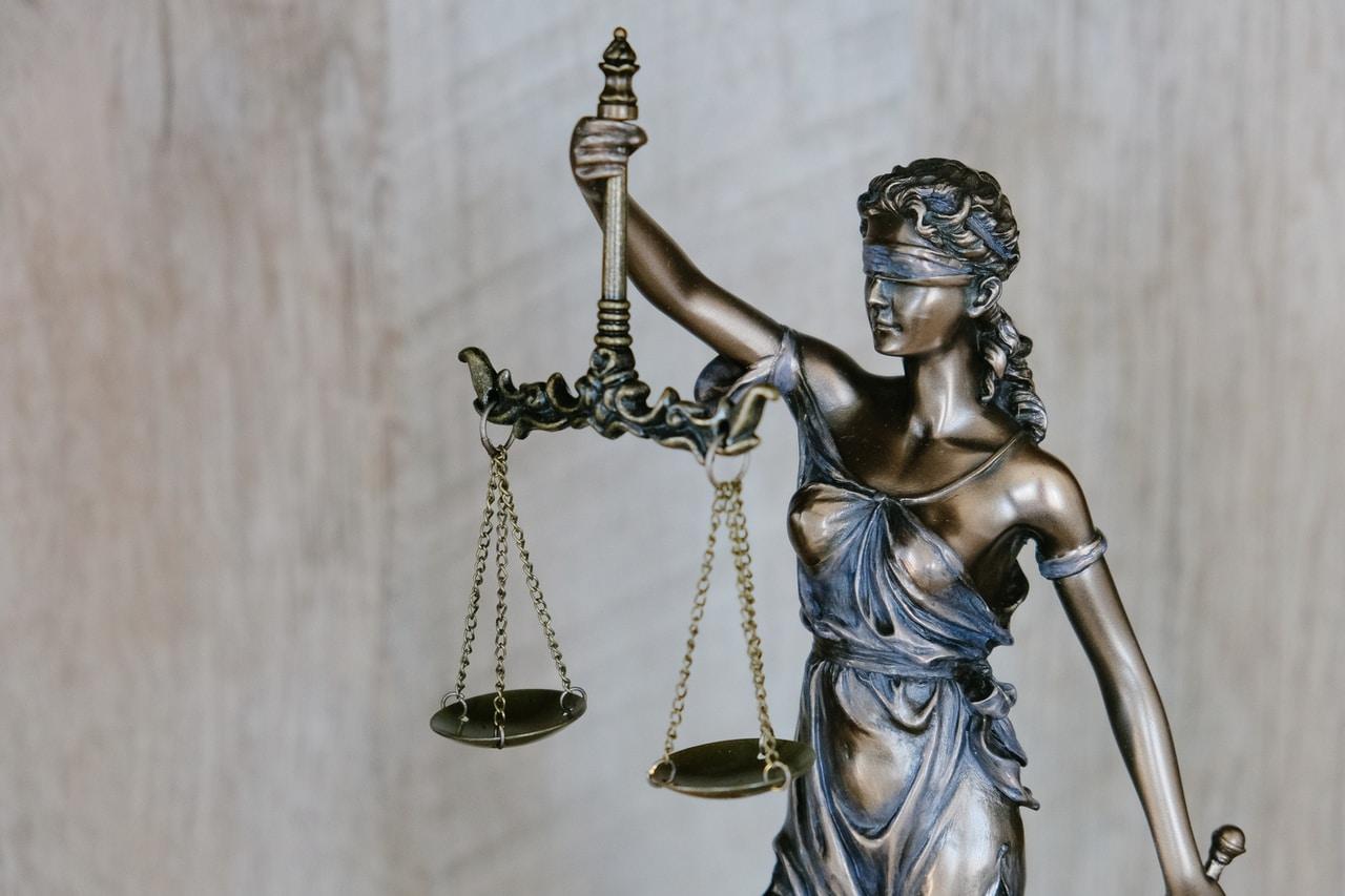 Kiedy warto skorzystać z porady prawnika?