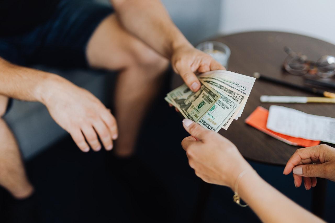 Jak odzyskać pieniądze pożyczone znajomemu?